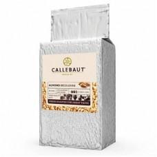 Дробленый карамелизованный миндаль Callebaut 1 кг